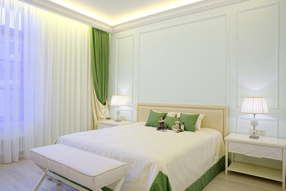 Seinaliist magamistoa voodipeatsi seinas