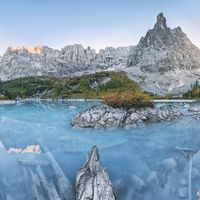 Fototapeet Stefan Hefele - Alpine Treasure SH039-VD4